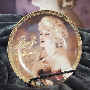 """Blonde Passion"" Collector Plate"